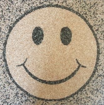 Natursteinteppich Logo Smiley, 100x100cm